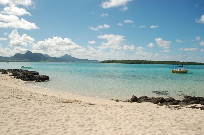 Beautiful beaches in Mauritius - Pointe Desny